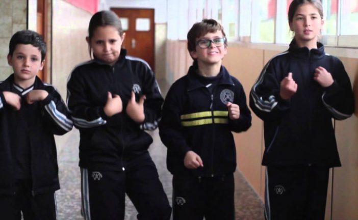 Peace song: baila y canta al son de Paz en inglés